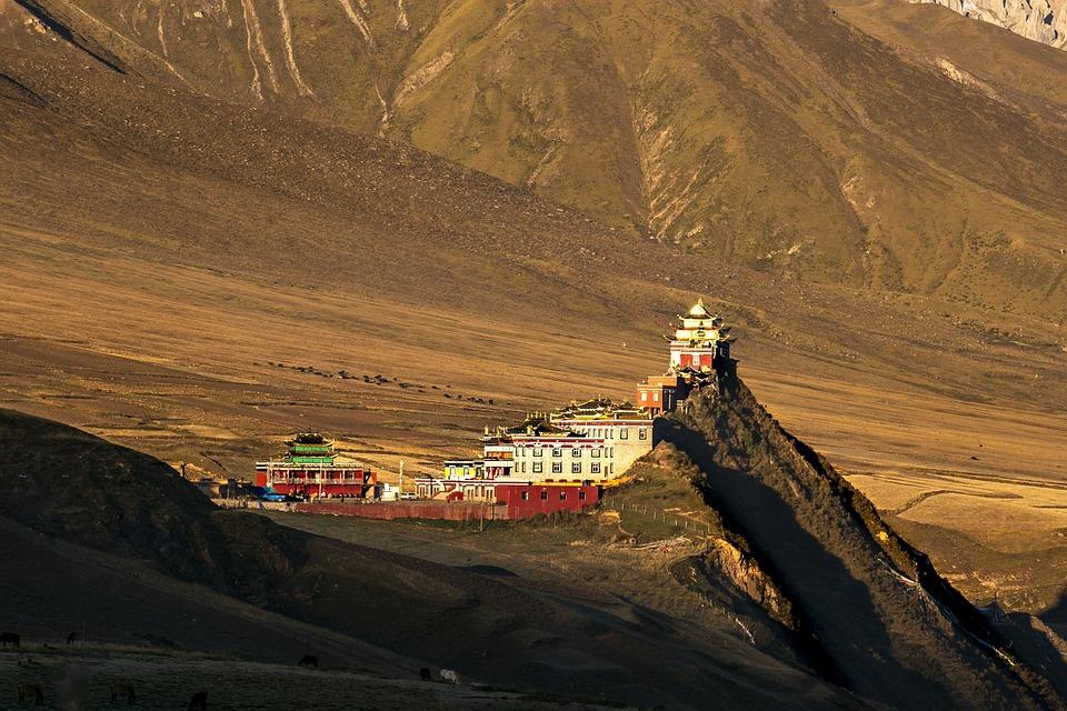 10 хороших жизненных уроков и принципов от Далай-ламы