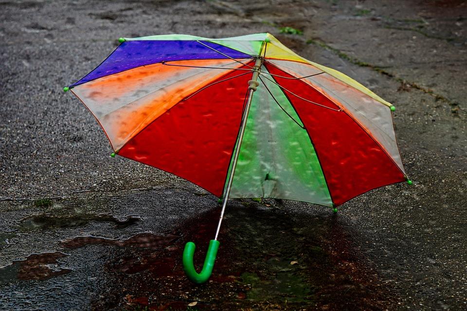 子ども傘, 画面, 古い, 雨, ウェット, 秋, コンクリート, 傘, カラフル, 色, 年齢画面