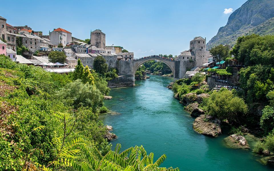 Fluss, Brücke, Bosnien-Herzegowina