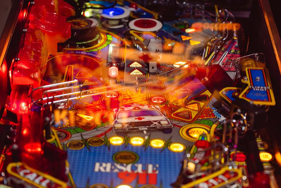 ピンボールゲーム, パチンコ機, 救911, 再生, ピンボール, スキルゲーム, 反応, ライト, 輝く