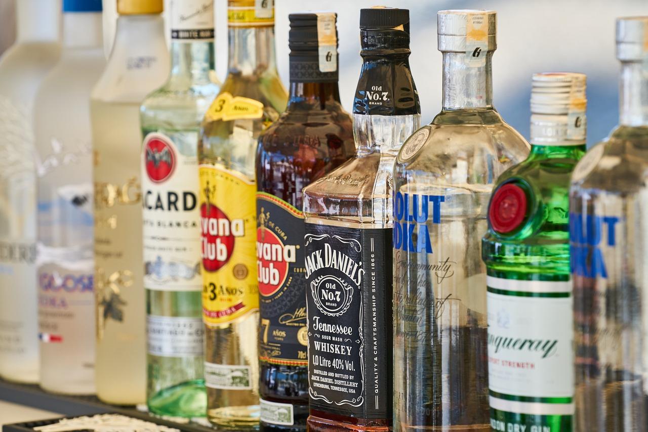 Zbadano, za ile przypadków śmierci z powodu nowotworu odpowiada bezpośrednio spożywanie alkoholu