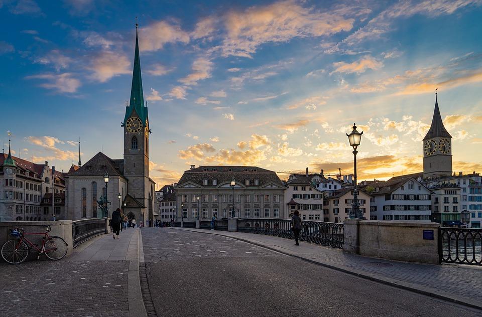 チューリッヒ, 市, スイス, アーキテクチャ, 建物, 歴史的中心部, 夏, 家, 空, 教会, 旅行