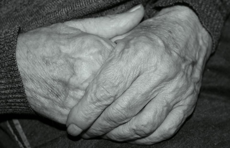 Ręce, Dłonie, Stary Człowiek, Zmęczone, Skupienie, Gest