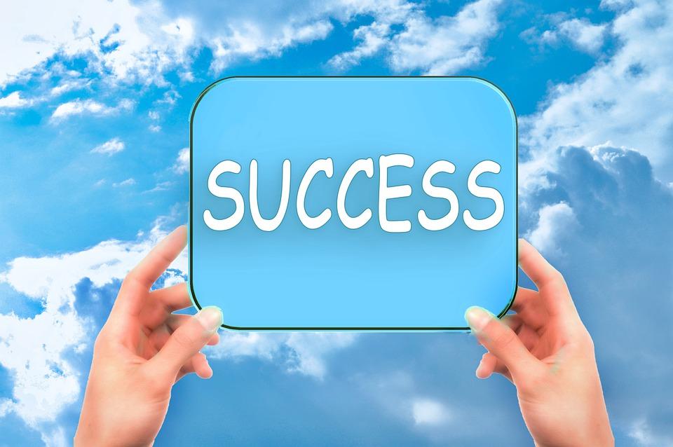 成功, 空, シールド, 手, パフォーマンス, モチベーション, 成功しました, 金融, ビジネス, 会社