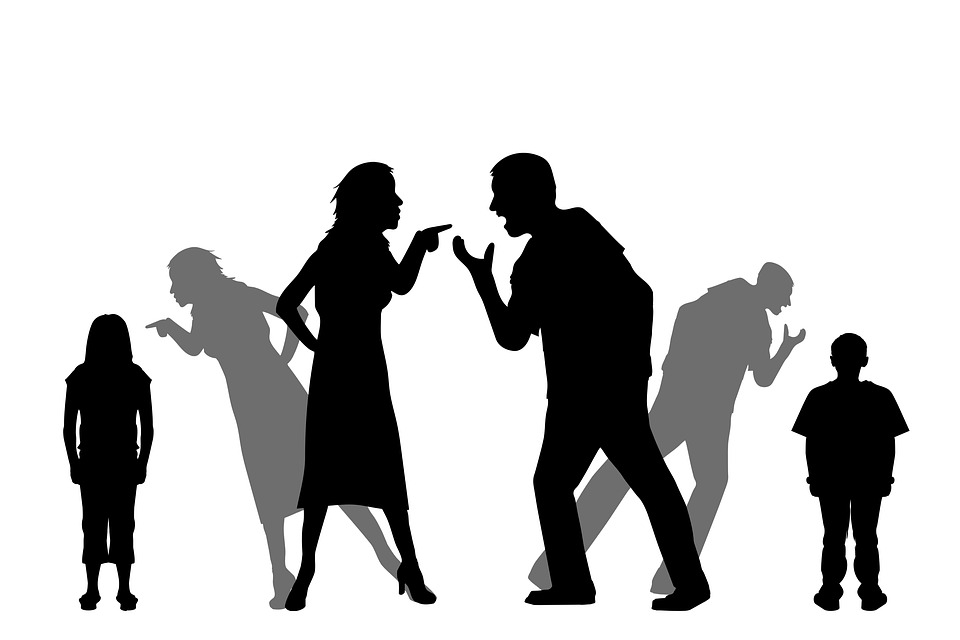 Что делать, если родители ругаются: причины ссор и тактика поведения детей
