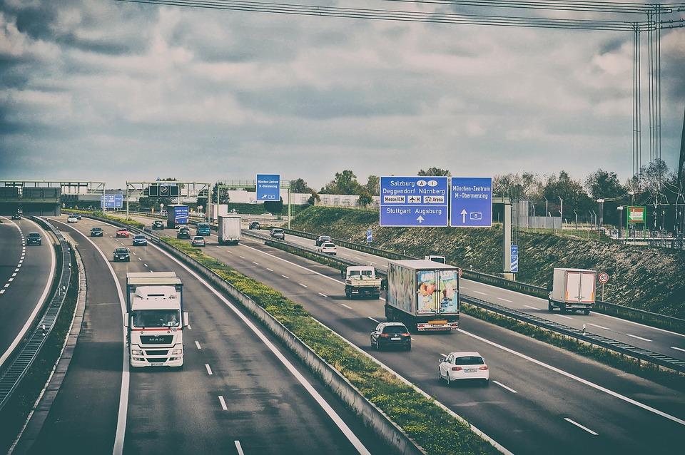 Autostradă, Rutier, Trafic, Carosabil, Camion, Pkw