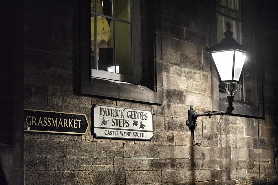 Callejón de Patrick Geddes Steps de Edimburgo