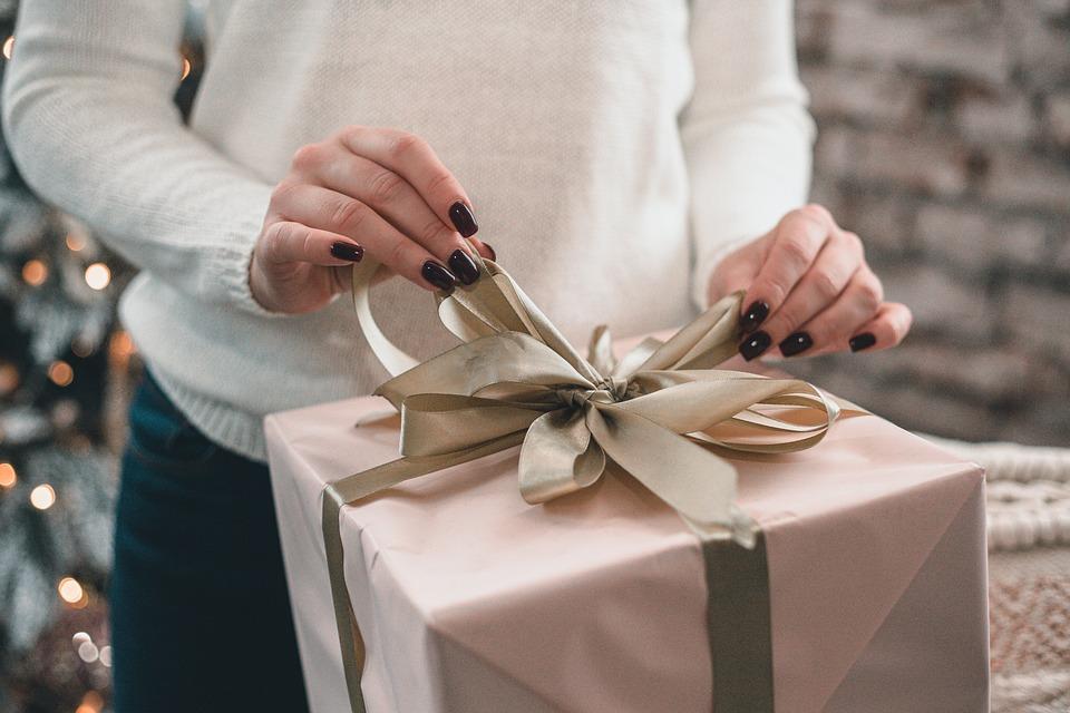 Что подарить мужу на 30 лет идеи подарков и полезные советы
