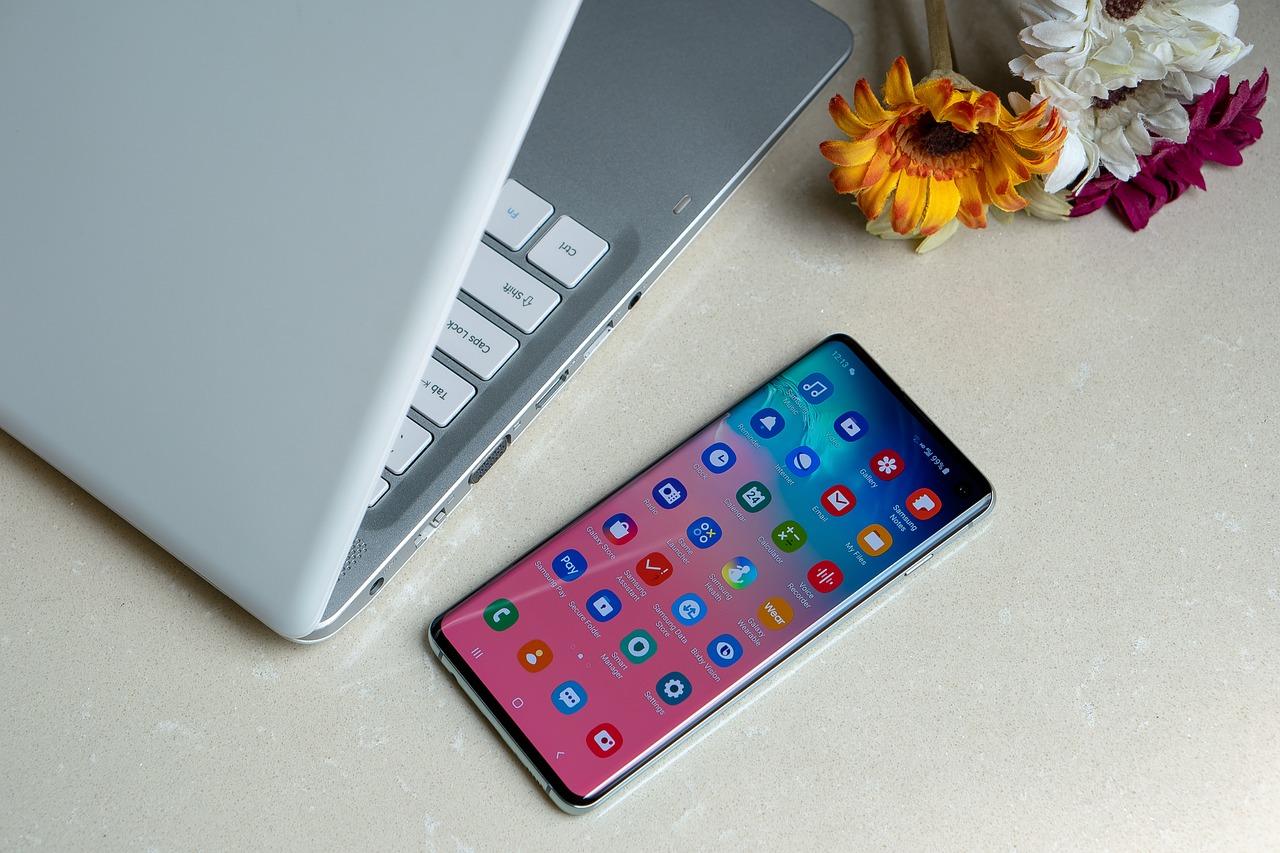 Promo sur le Samsung Galaxy S10+ : -40% sur l'un des meilleurs téléphones de 2019