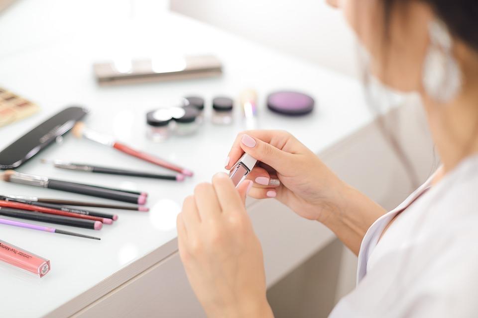 Kecantikan, Perawatan Wajah, lipstick!