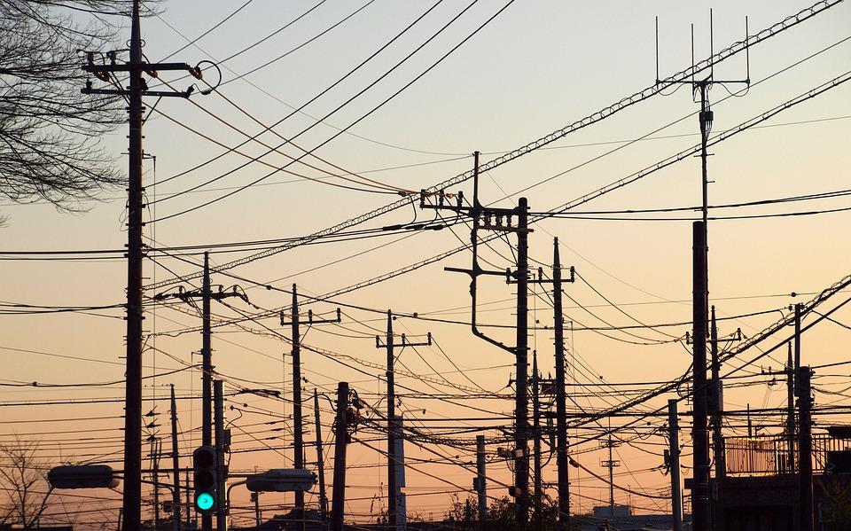 風景, 町, 電柱, 電線, 信号灯, アンテナ, 夕暮れ, 青信号, 日常, 生活, 暮らし, 発電