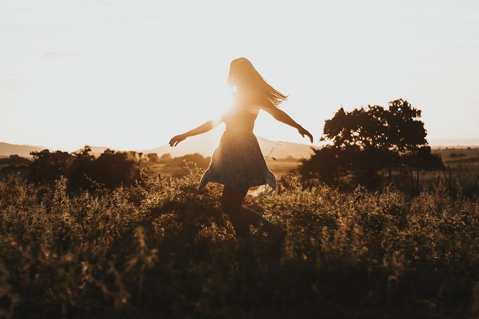 自由, 女の子, 旅行, アドベンチャー, 夏, ダンス, ダンサー, 風景, 自然, 楽しい, 希望, 喜び