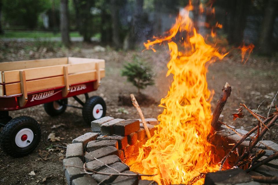 火, キャンプ, キャンプファイヤー, たき火, テント, 屋外, 炎, 自然, 熱, アドベンチャー, 夏