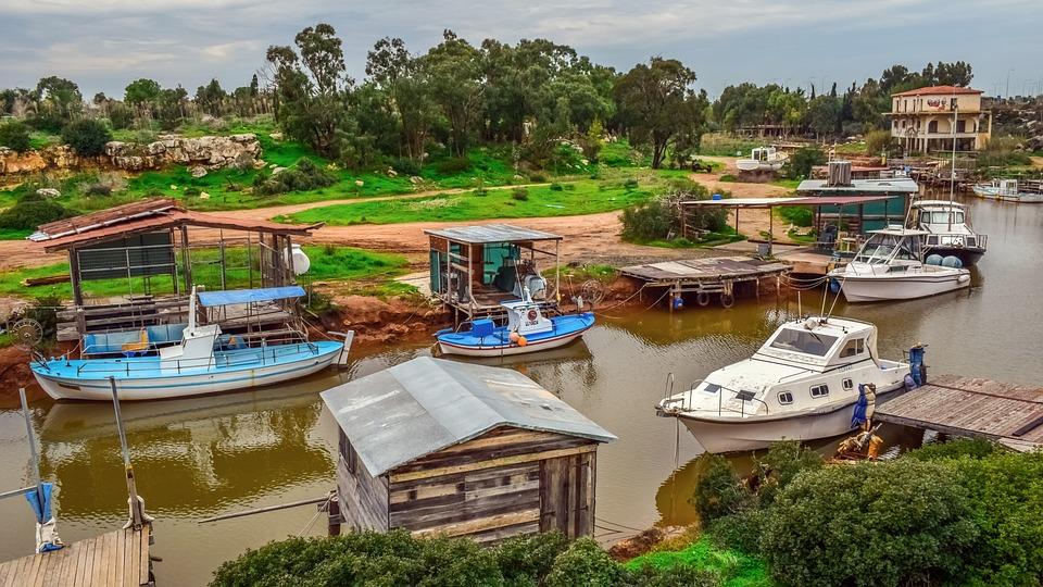 Началась реконструкция причала в устье реки Лиопетри
