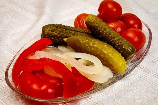 ピクルス, トマト, きゅうり, タマネギ, パプリカ, テーブル, 皿, 食品