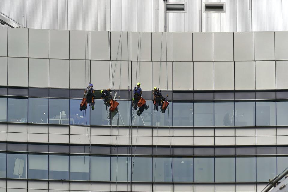 人, 男性, 労働者, 登山の様子, 垂れ, 文字列, 衣装, 保護, ツール, Fix, 窓, 建物, 高
