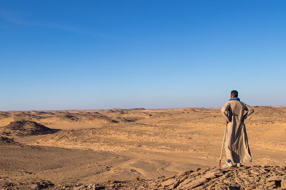 砂漠, 男, アラビア語, ドレス, エジプト, 砂, 風景, 地平線, 直面してください, 距離, 黄色