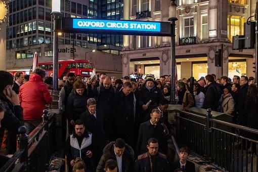 Oxford Circus Street Tube, Rush Hour
