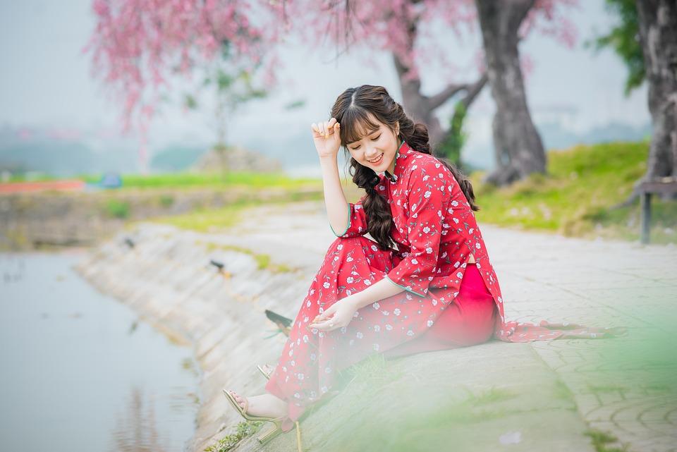 girl-4809434_960_720.jpg