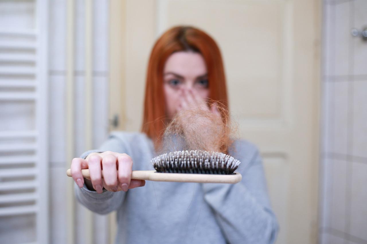 Home remedies and treatment for hair falling after pregnancy | प्रेगनेंसी के बाद झड़ते बालों के लिए घरेलू उपचार और इलाज