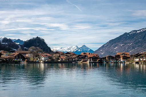 Switzerland, Iseltwald, Mountains, Brine