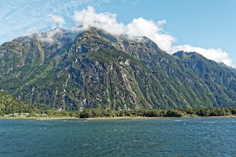 Milford Sound trails