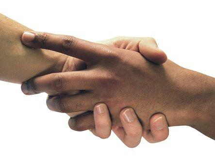 Resultado de imagen para manos de mujer y hombre juntas