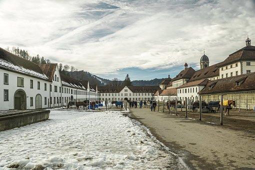 Reiterhof, Koně, Klášter, Kostel, Budova