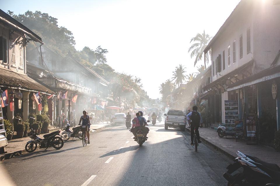 Jalanan di Laos