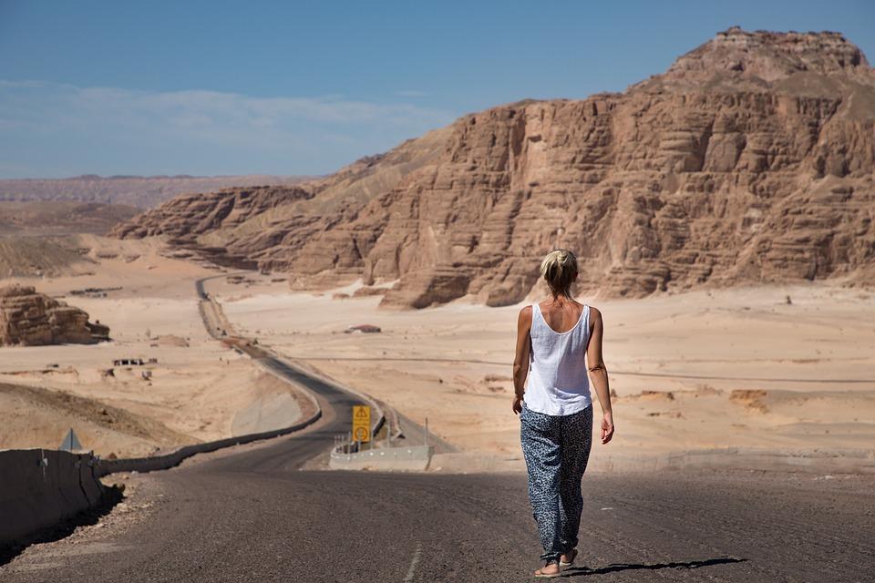 Vrouw, Wandelen, Woestijn, De Weg, Sinai, Egypte, Hemel