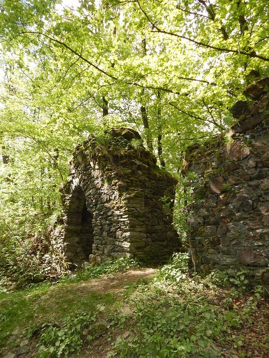 Stone ruins – Pixabay – Saalenixe-74