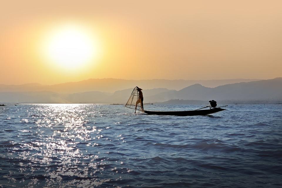 Pêcheur, Single-Leg-Rameur, Sunset, Lac Inle, Birmanie