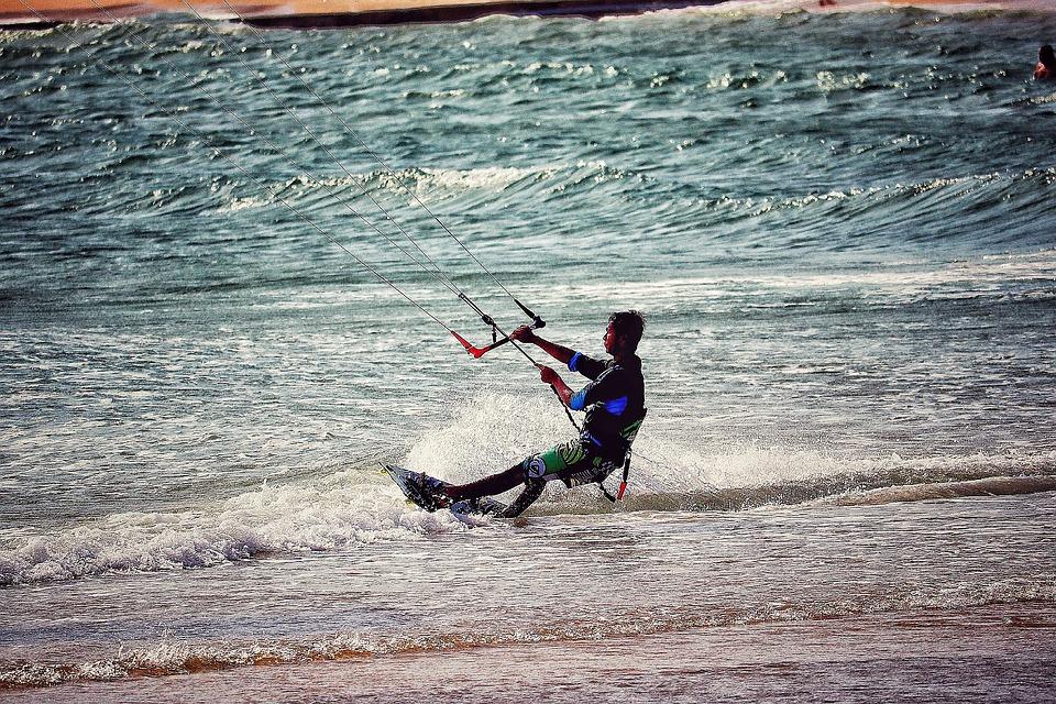 Water sports in Vietnam, Kite surfing in Vietnam