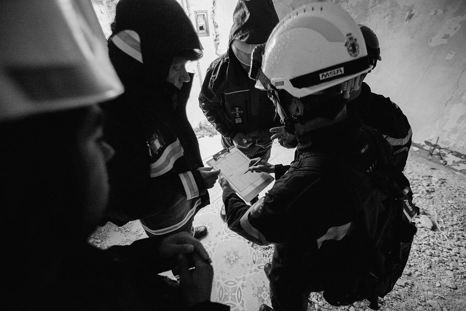 エンジニア リング, 構造エンジニア, 土木エンジニア, 捜索救助, 災害救援, 地震ゾーン, チームワーク
