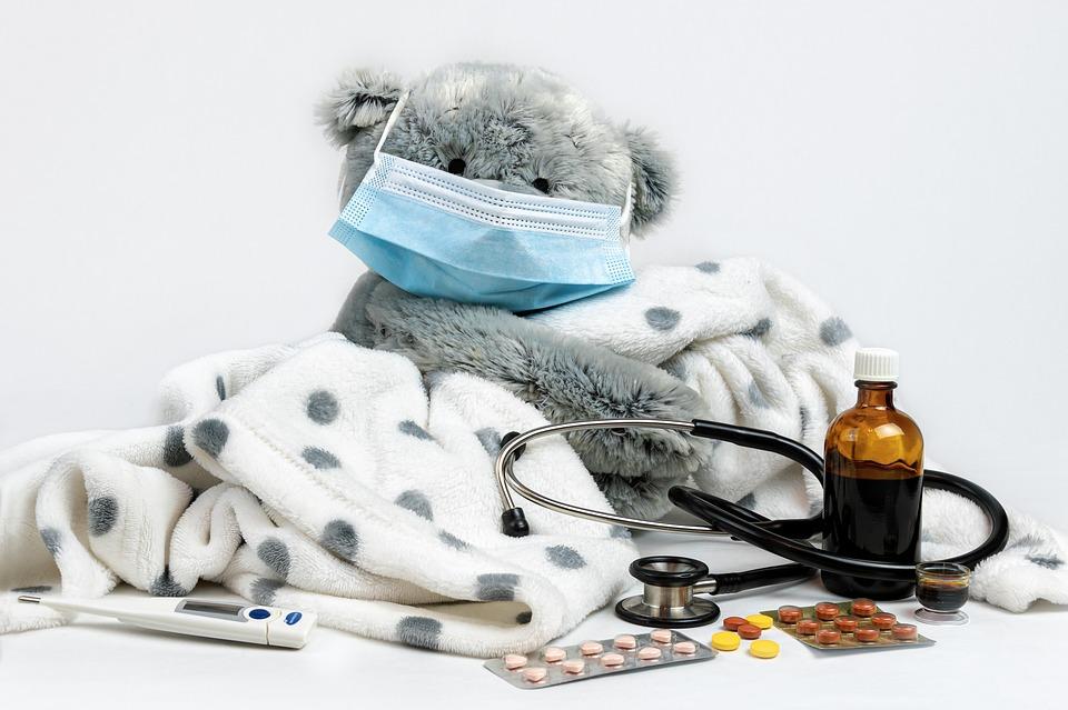 Профессия педиатр (детский врач): обязанности, требования, обучение, работа и зарплата