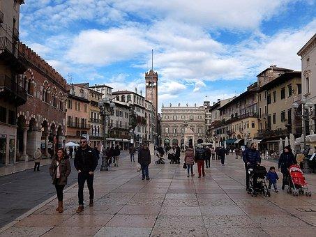 Verona, Piazza, Italy, Tourism, History