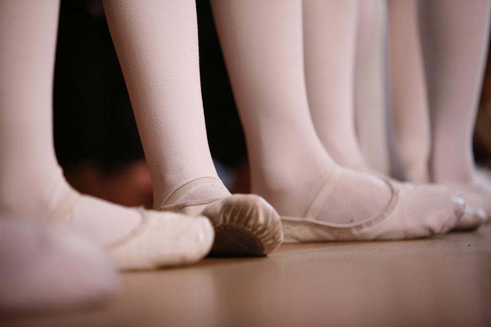 バレエ, 足, フィート, ダンス, 待つ, バレエシューズ, 女の子, スポーツ