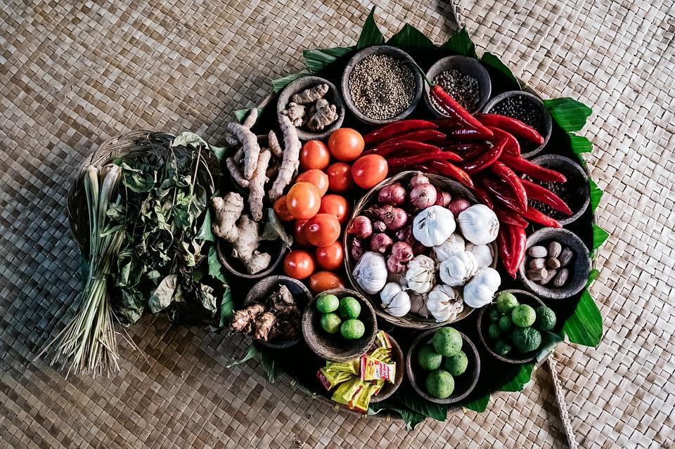 Gewürze, Kochen, Lebensmittel, Knoblauch, Pfeffer, Ingwer, Chili, Kräuter, Gesundheit, Ernährung