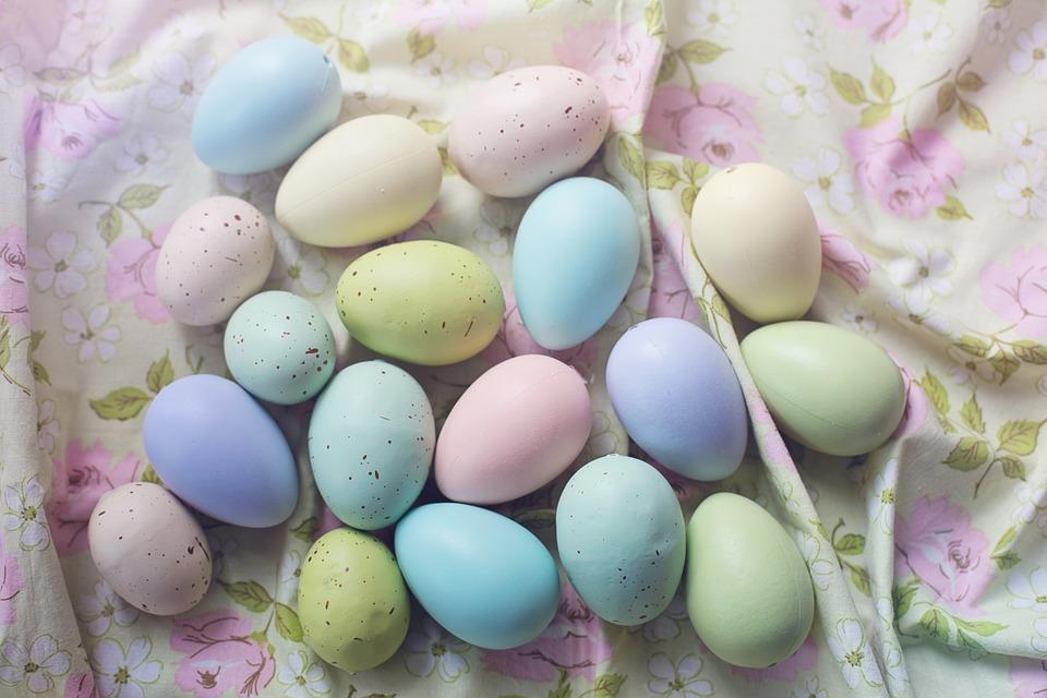 Osterhase, bunte Eier, Sprüche, Grüße, Osterfest