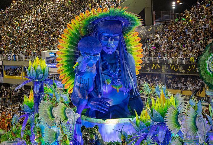 Rio Carnival Heats Up With Floats Celebrating Fav Assoass 1