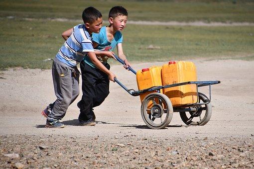 water scarcity where children suffer