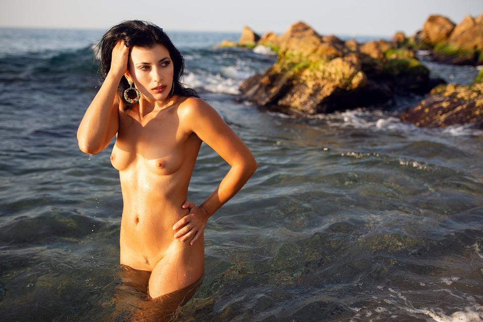 Nackten frauen bilder von erotische Sex Alte