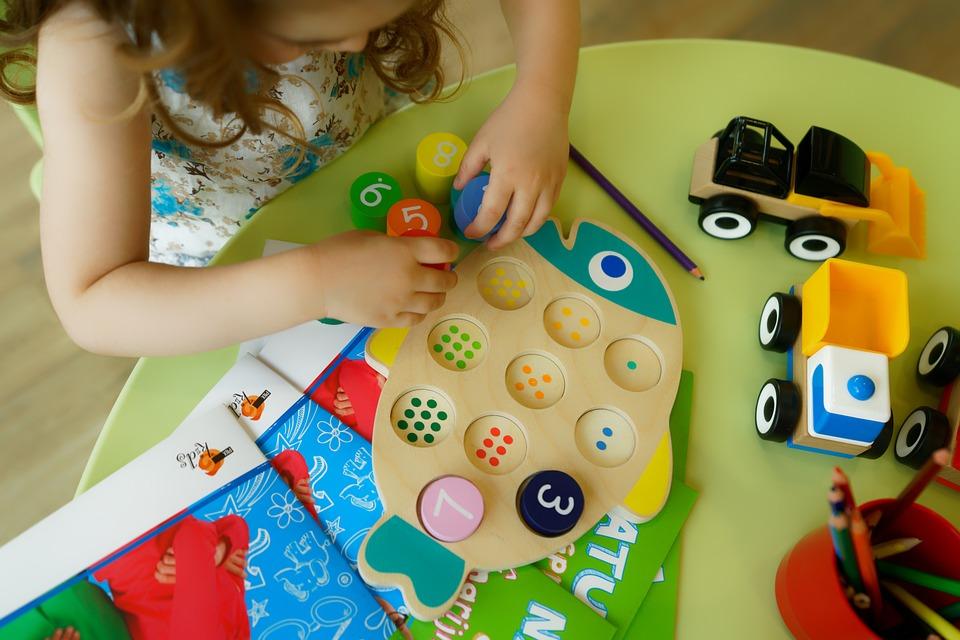Хлапе, Играчки, Играе, Предучилищна Възраст, Детството