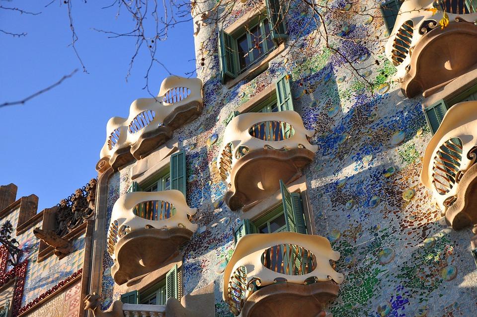 Alto Primero, Gaudí, Barcelona, Bart Lou Casa
