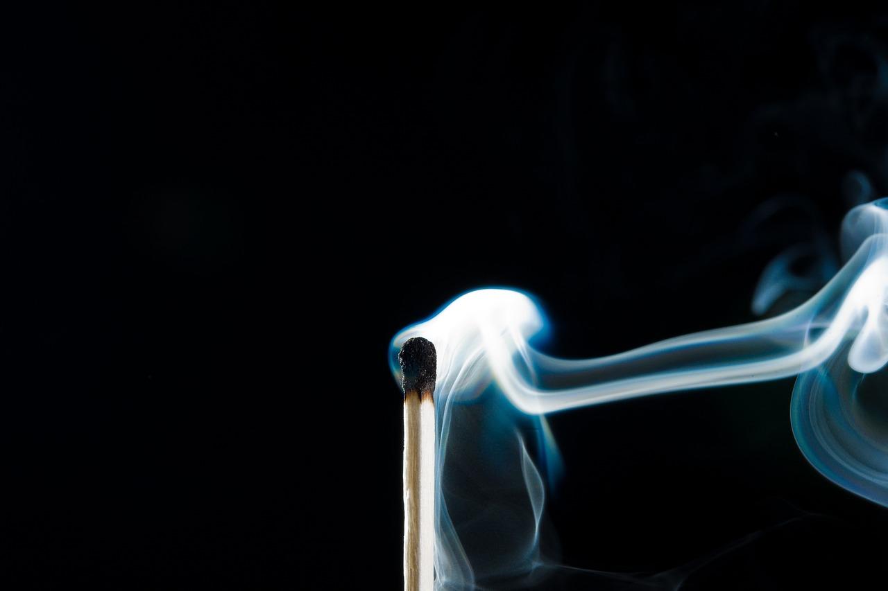 Kita harus menjaga kesehatan diri dari bahaya asap rokok