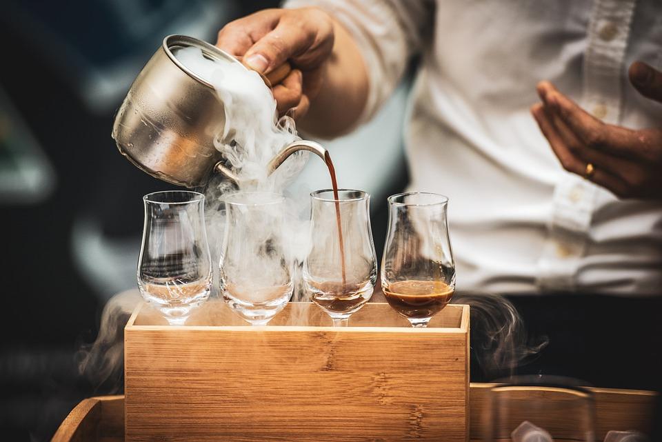 バリスタ, コーヒー, 注ぐ, エスプレッソ, カフェラテ, カフェ, レストラン, カプチーノ, ドリンク