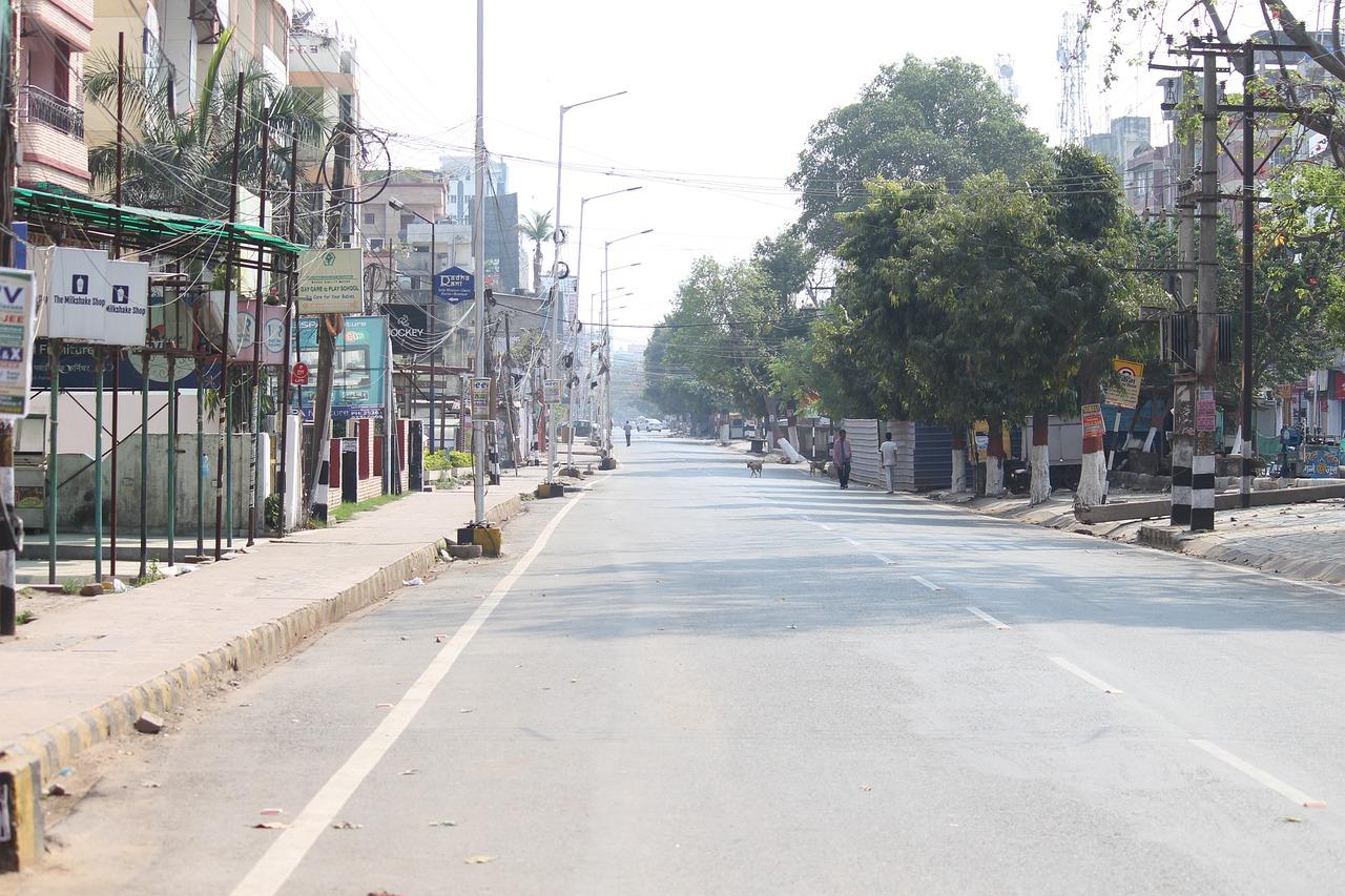 COVID-19 surge | Hundreds of doctors, paramedics fall sick at Patna hospitals