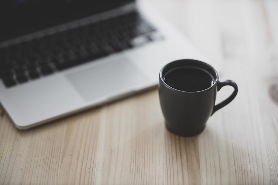 Gratis nettstudier lar deg lære fra ditt eget hjem, eller hvor som helst som du sitter på PC-en.