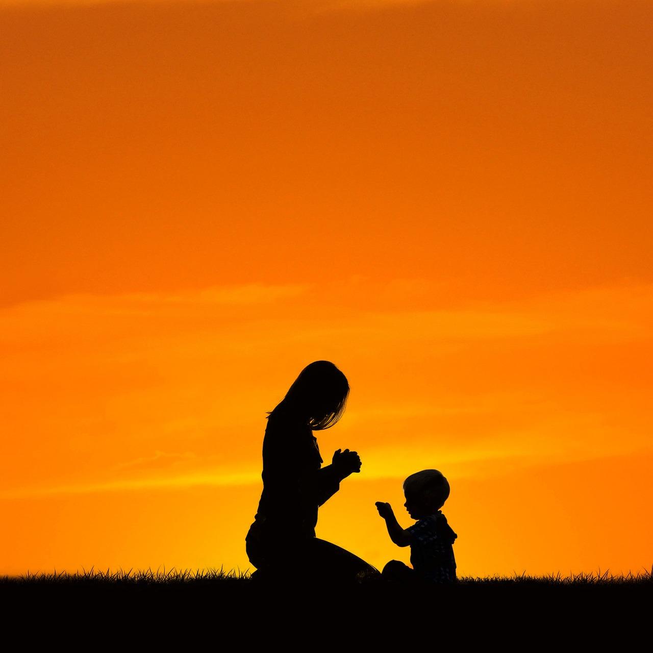 Mom Praying With Son - Free photo on Pixabay