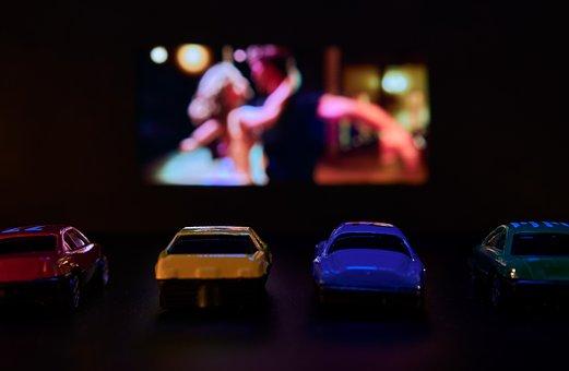 Drive-In Theater, Film, Presentation
